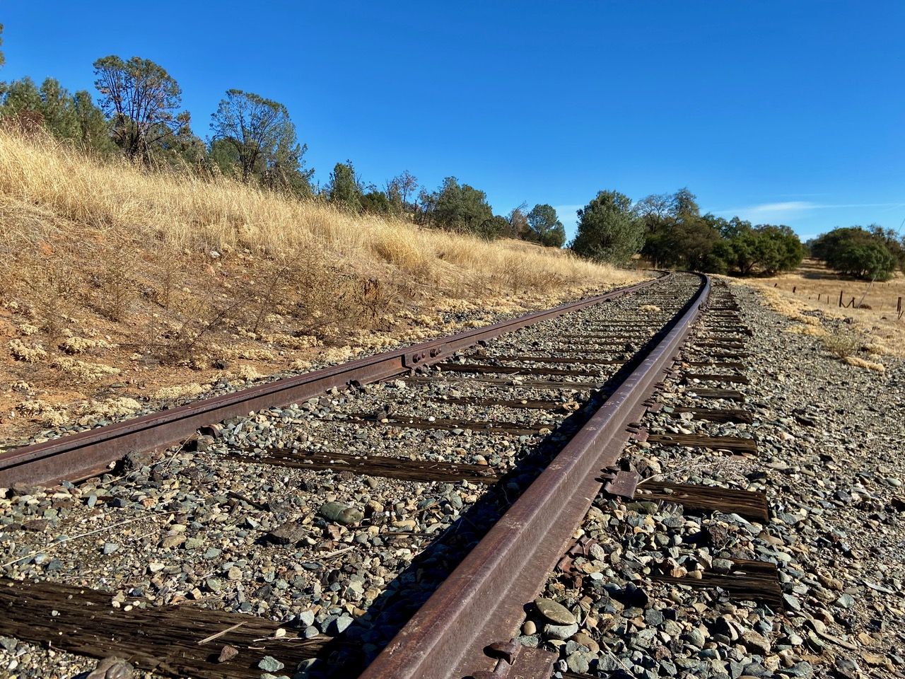 railroad tracks in Latrobe CA